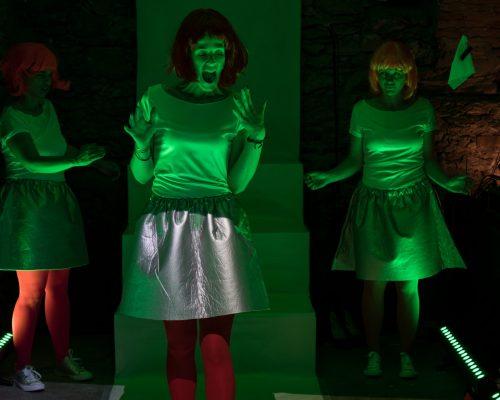 (Un)sichtbare Monster tON/NOt Triebwerk7 Kater Noster Christa Pertl