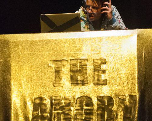 The Untitled Performancefestival BRUX / Freies Theater Innsbruk tON/NOt Triebwerk7 Daniel JaroschThe Untitled Performancefestival BRUX / Freies Theater Innsbruk tON/NOt Triebwerk7 Daniel Jarosch